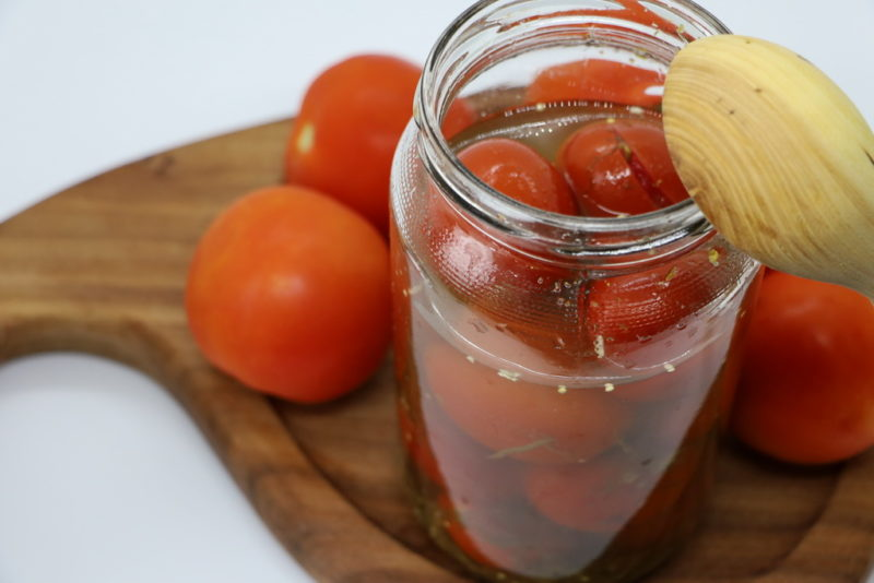 Проверено временем: 6 традиционных способов холодной засолки помидоров